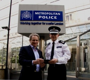 Facewatch ID, la app de Scotland Yard para identificar a los responsables de los disturbios de Londres