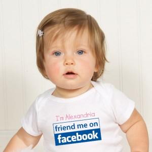 Unbaby.me suprime todas las fotos de bebés de tu feed de Facebook