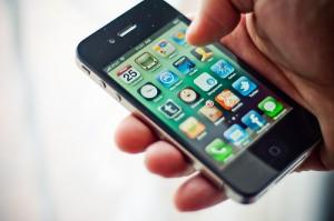 La mitad de los usuarios españoles de smartphones descarga más de 15 apps