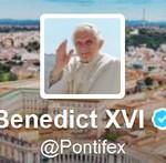 Del primer PapaTuit al inminente bautismo de la Pope App