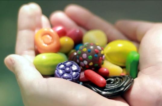 Vídeo: Las consecuencias de jugar demasiado al Candy Crush Saga