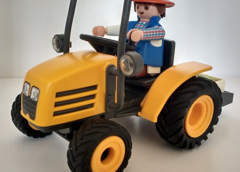 tractor-amarillo