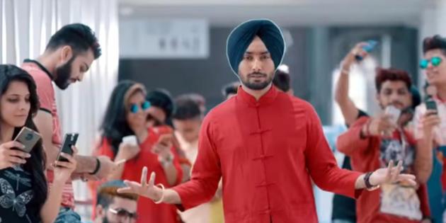La adición a los smartphones, cantada al modo de Bollywood