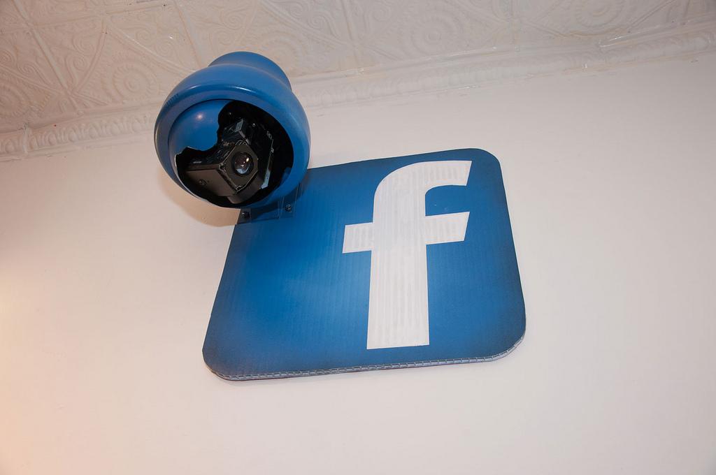 Facebook estuvo pagando a adolescentes para instalar una app espía en sus teléfonos
