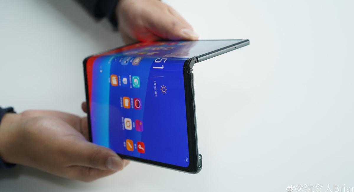 Oppo muestra un smartphone plegable en el MWC, pero no lo pondrá a la venta