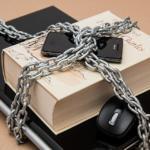 Siete de cada diez españoles están preocupados por la seguridad en el móvil