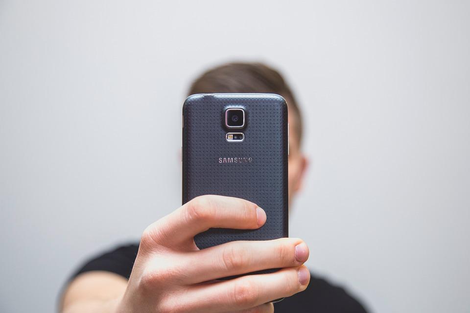 En el mercado negro de los datos personales, hasta tus selfies tienen un precio