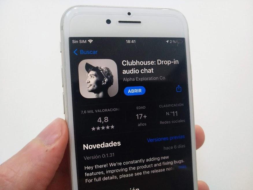 Clubhouse llegó a los 13 millones de descargas en su primer año de vida
