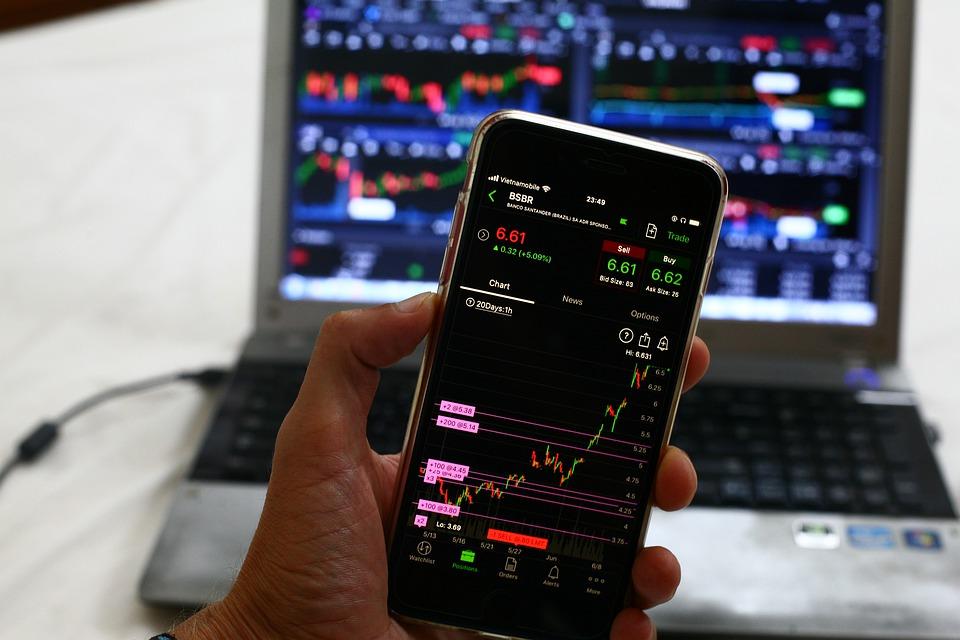 Comercio de acciones y divisas para principiantes - ¿Qué necesitas saber?