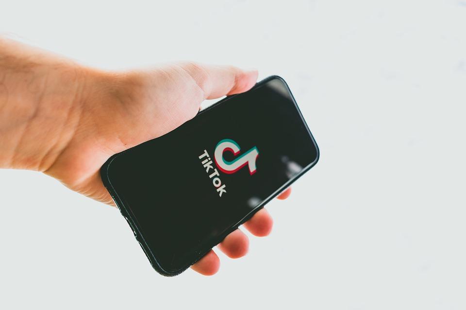 La historia tras TikTok, la app de vídeos cortos que triunfa en todo el mundo